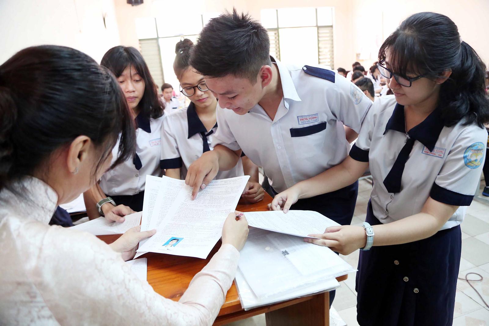 Hướng dẫn làm Hồ sơ xét tuyển Cao đẳng Điều dưỡng TP HCM năm 2018